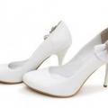 Білі туфлі для модниць