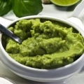 """Вишуканий і пікантний соус """"гуакамоле"""" з авокадо"""