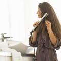 Як легко і швидко випрямити волосся в домашніх умовах за допомогою прасування