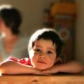 Як навчити дитину прокидатися самостійно