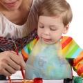 Як навчити дитину малювати фарбами