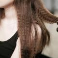 Як зробити кучері за допомогою прасування для випрямлення волосся