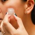 Самостійне видалення бородавок: боротьба з новоутвореннями на шкірі