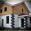 Стіни будинків з будівельних блоків