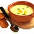 Суп-пюре з селери з яйцем