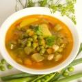 Суп із зеленим горошком