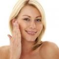Сироватка з гіалуроновою кислотою своїми руками: власний рецепт краси