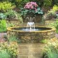 Вибираємо насадки для садових фонтанів і милуємося розкішшю водних композицій